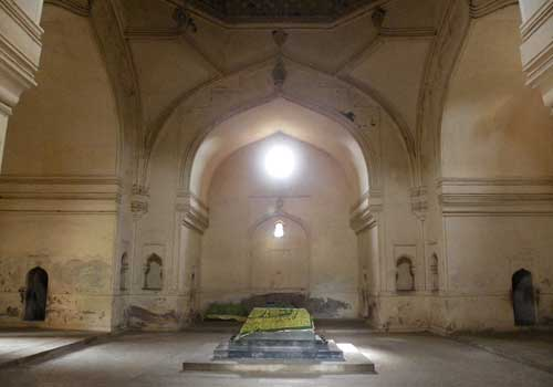 Qutub Shahi Tombs Hyderabad, timings, entry ticket cost ...